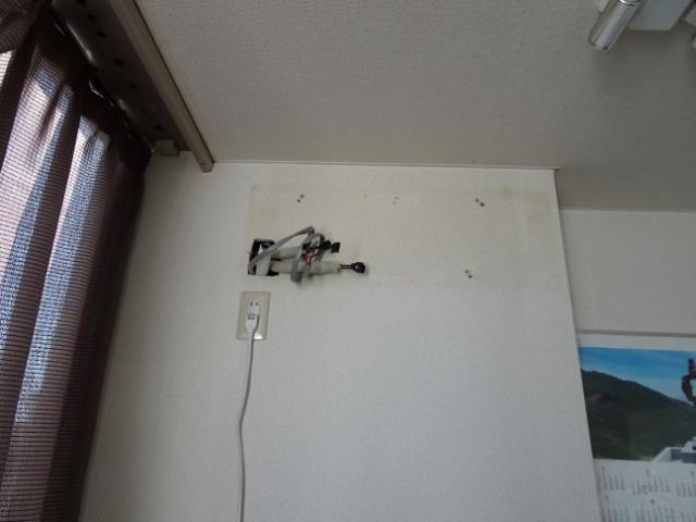 隠蔽配管へのルームエアコン取付