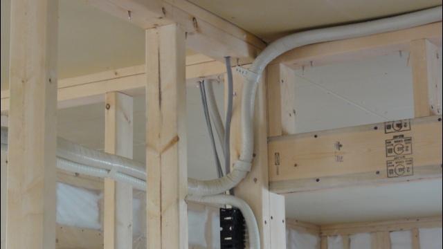 エアコン隠蔽配管写真2