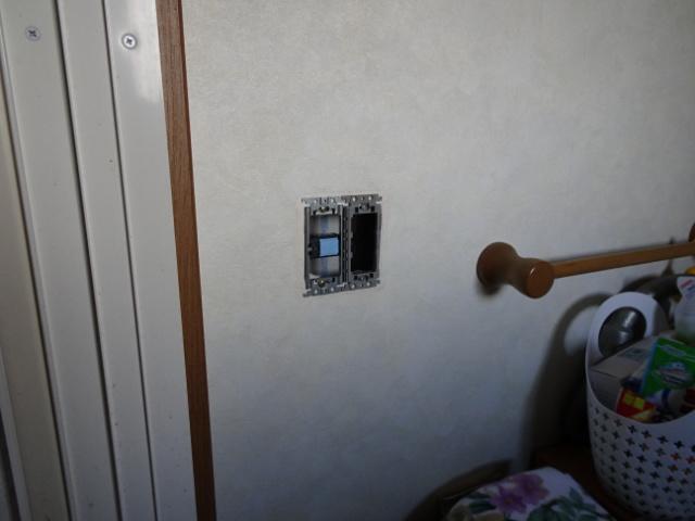 壁の専用コントローラー取替