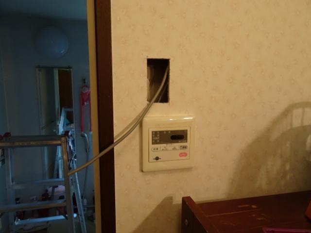 スイッチ用の配線を入線