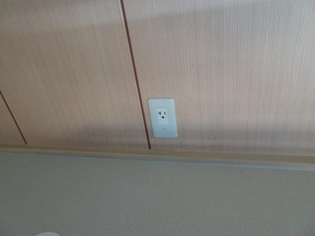 アパートの部屋にエアコン専用コンセント配線