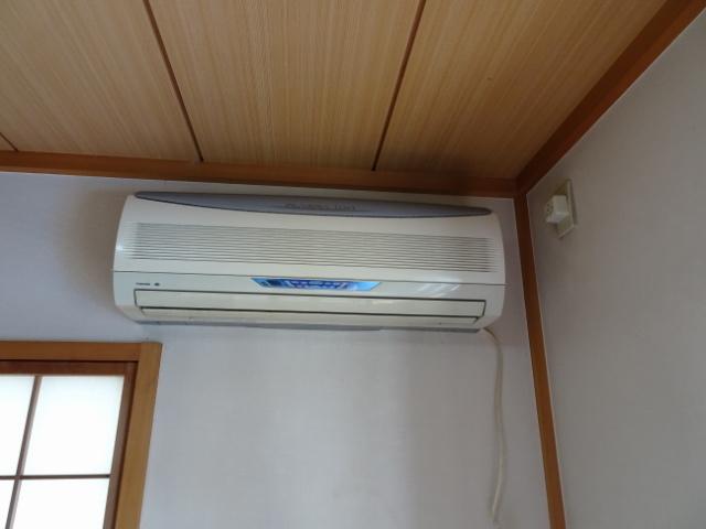 1階の古いエアコン