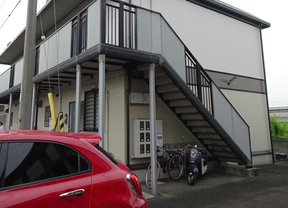 香川県のアパート駐車場に監視カメラ工事