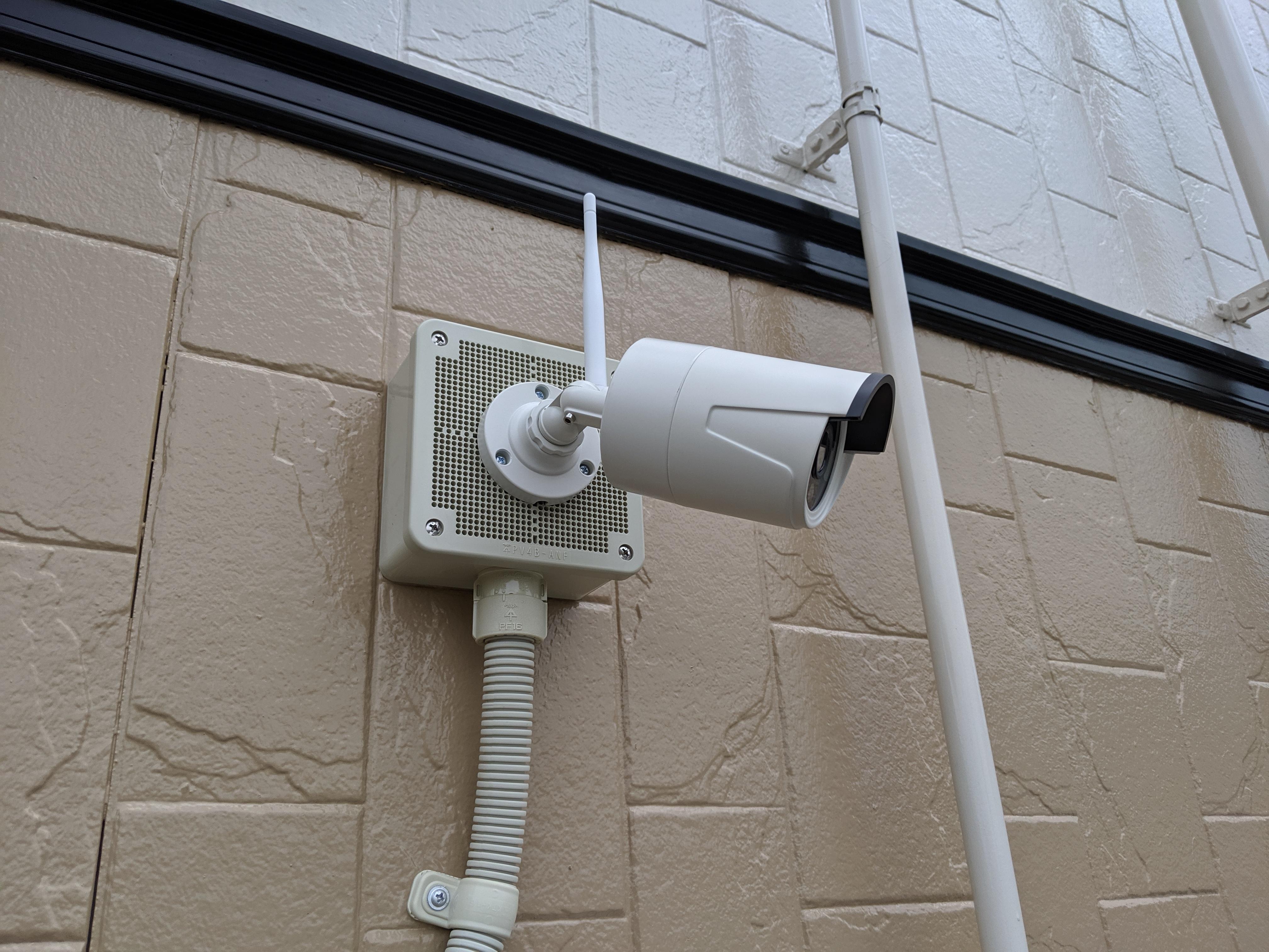 監視したい場所にカメラを設置
