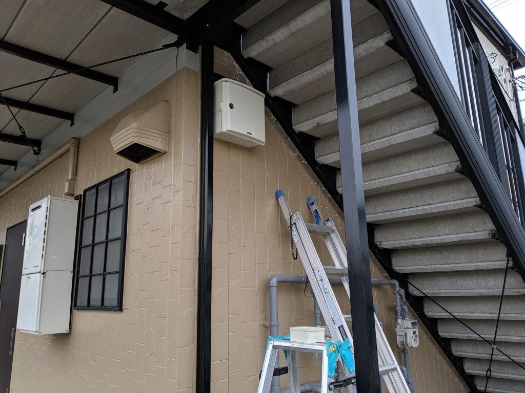 監視レコーダー収納用ボックス取付