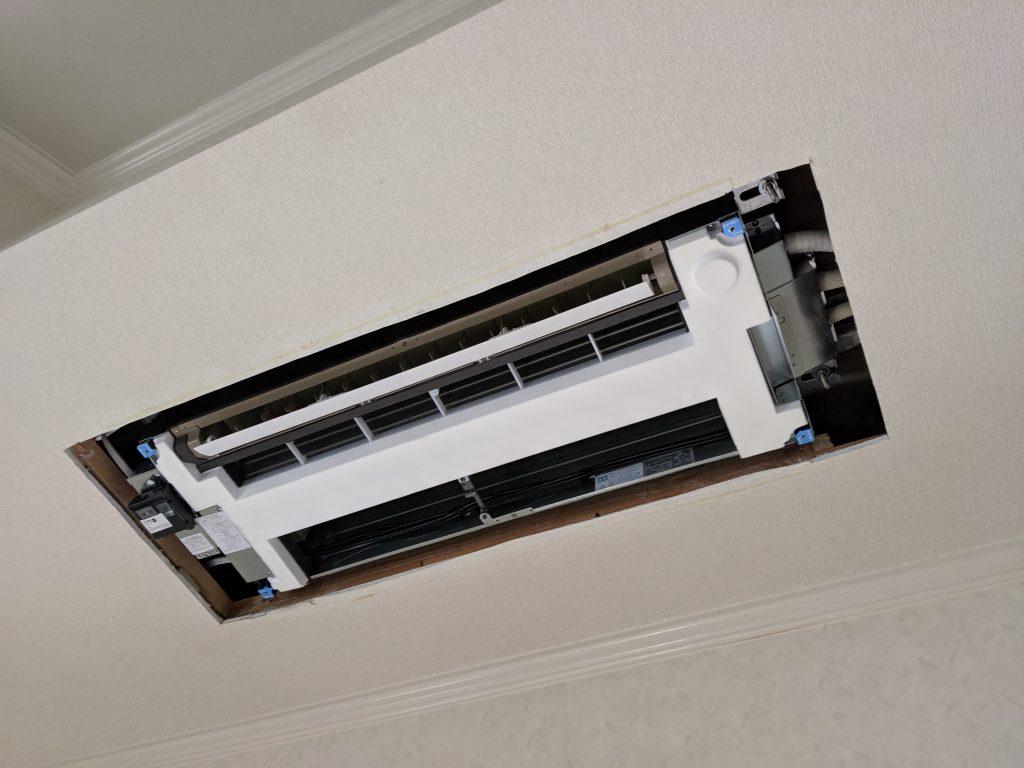 新しい天井カセットの吊り込み