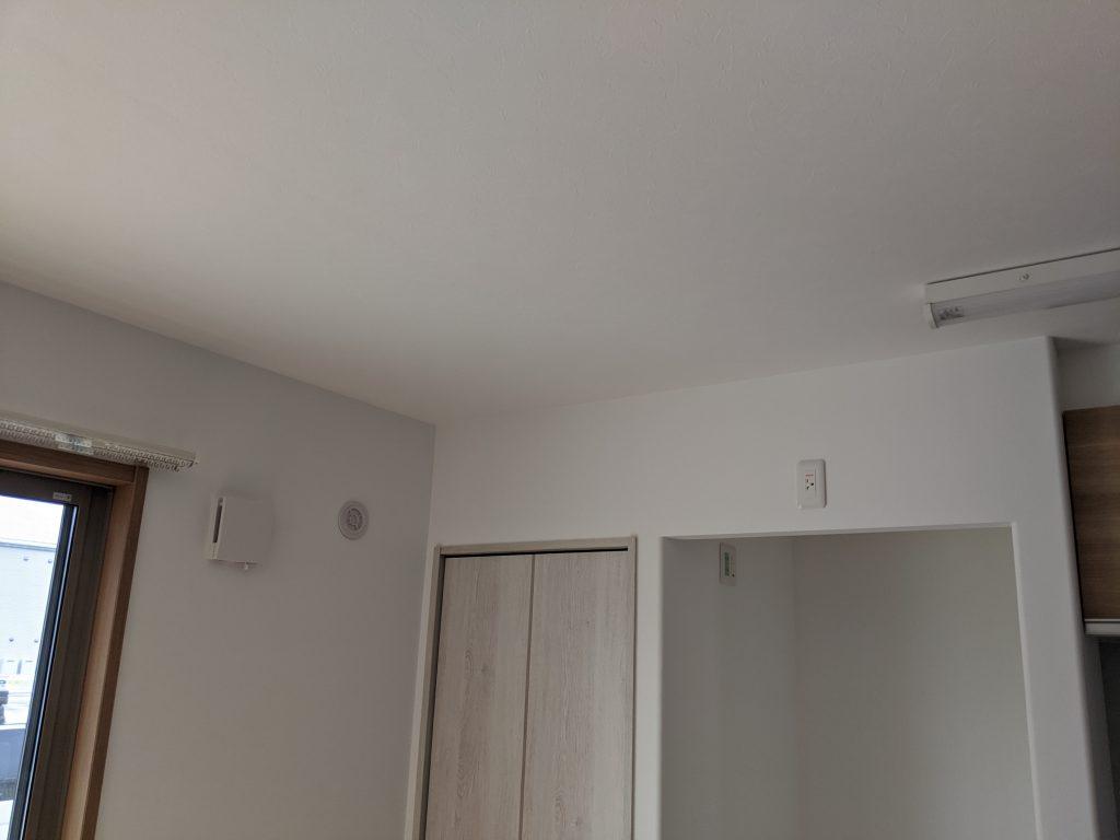 リビングのエアコン室内機取付場所
